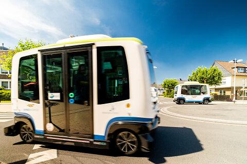 Bahnen der Stadt Monheim - autonomer Bus
